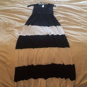 Go Couture Maxi Black White Dress Never Used